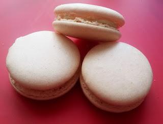 Vanillekipferl Macarons – Italienische Meringue