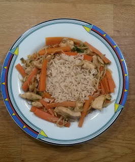 Hähnchen-Karotten Wok