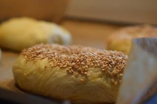 Pinienkern-Sesam Bagel