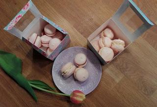 Macarons mit Tonka und Schoko-Erdbeer-Mandel Füllung