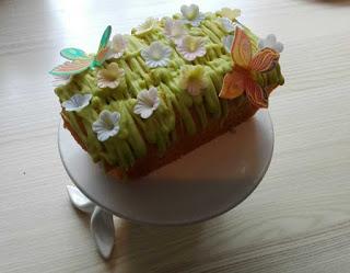 Surprise Cake – Ostern