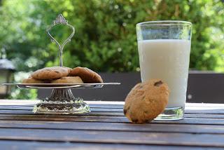 Peanut-Choc-Cookies