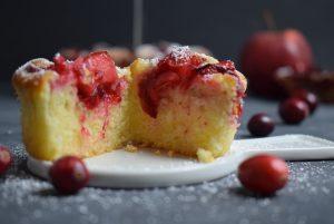 Cranberry Apfel Muffins angeschnitten