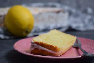 Zitronen Joghurt Kuchen Stück
