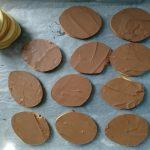 Schokolade auflegen