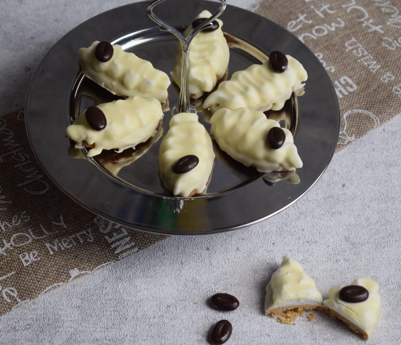Gewürzschiffchen mit Marshmallow und weißer Schokolade