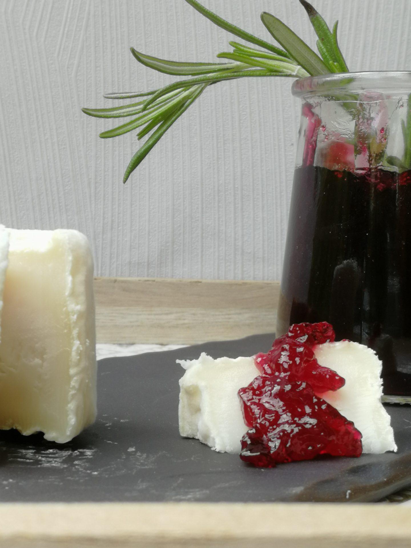 Merlot Rosmarin Gelee – nicht nur zum Käse lecker