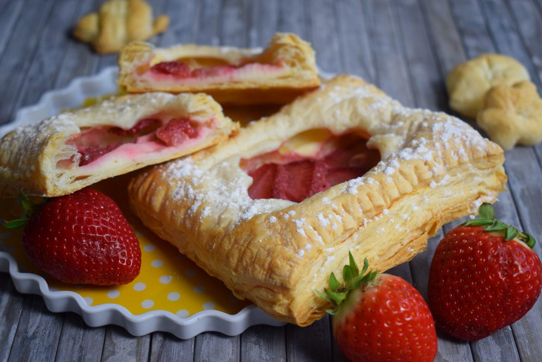 Blätterteigschnitten mit Erdbeeren und Quarkcreme