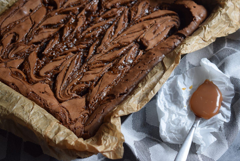 saftiger Brownie mit Karamell